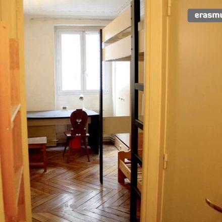 Rent this 4 bed room on Rue de Douai in 75009, Paris