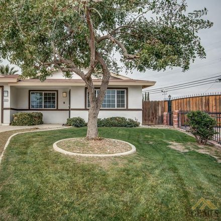 Rent this 3 bed house on Arthur Ave in Bakersfield, CA
