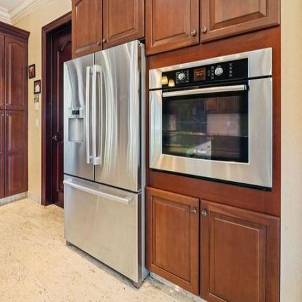 Rent this 4 bed house on 165 Hunter Avenue in New York, NY 10306