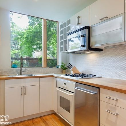 Rent this 3 bed condo on 435 Waverly Avenue in New York, NY 11238