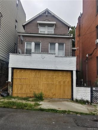 Rent this 2 bed house on 34 Cliff Street in Yonkers, NY 10701