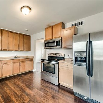 Rent this 1 bed apartment on Columbia Avenue in Dallas, TX 75214