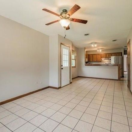 Rent this 2 bed condo on Lockport