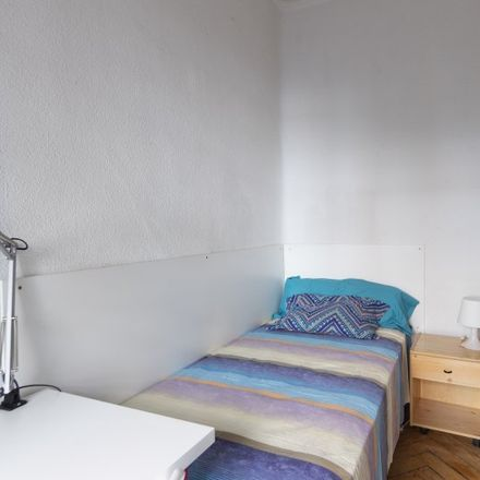 Rent this 9 bed apartment on Simply City in Calle de Vallehermoso, 12