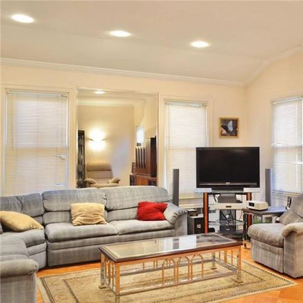 Rent this 6 bed townhouse on 82nd St in Brooklyn, NY