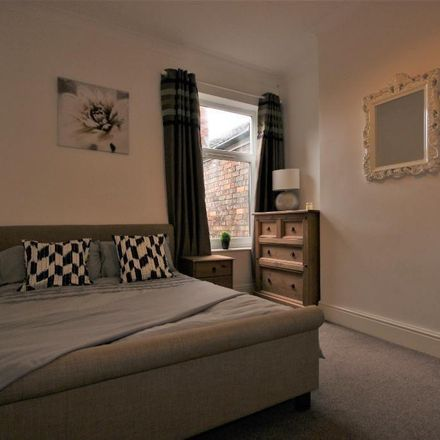 Rent this 5 bed house on 73 Alliance Avenue in Hull HU3 6QU, United Kingdom