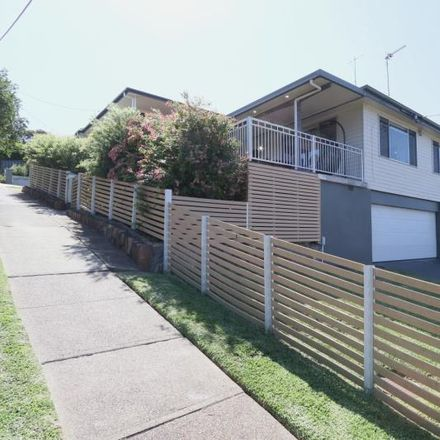 Rent this 3 bed house on 2 Werona Street