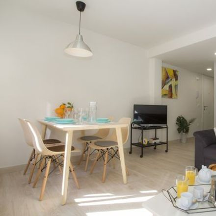 Rent this 3 bed apartment on Carrer de Calderón de la Barca in 5, 46010 Valencia