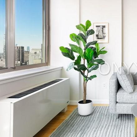 Rent this 4 bed apartment on Harry's Italian in 2 Gold Street, New York