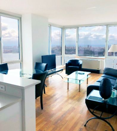 Rent this 3 bed apartment on 635 West 42nd Street in New York, NY 10036