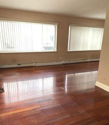 Rent this 1 bed townhouse on 1754 East Oakton Street in Des Plaines, IL 60018