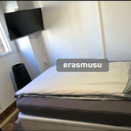 Rent this 3 bed room on Carrer de les Acàcies in 46025 València, Valencia