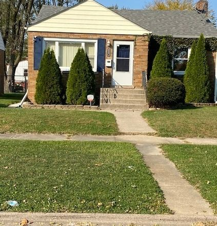 Rent this 3 bed house on 330 Paxton Avenue in Calumet City, IL 60409