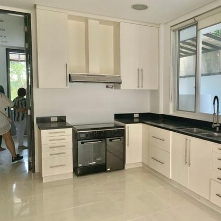 Rent this 5 bed house on Manila Palm in Muntinlupa, 1780