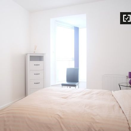 Rent this 3 bed apartment on Benham Reeves in Heritage Avenue, London NW9 5FW