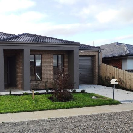 Rent this 3 bed house on 1/60 Chapman Drive
