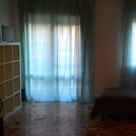 Rent this 3 bed room on Via Alessandro Guidi in 8, 35125 Padova PD