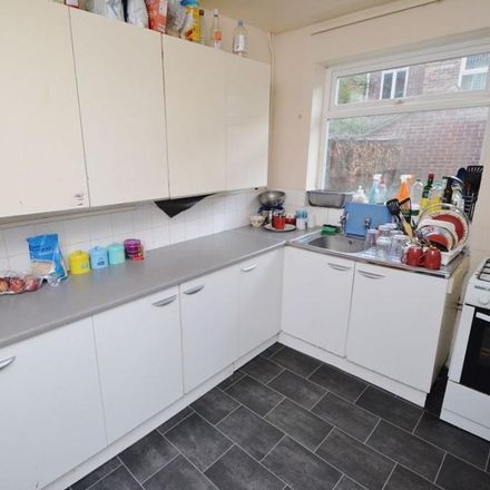 Rent this 5 bed house on 25 Johnson Road in Wollaton NG7 2BX, United Kingdom