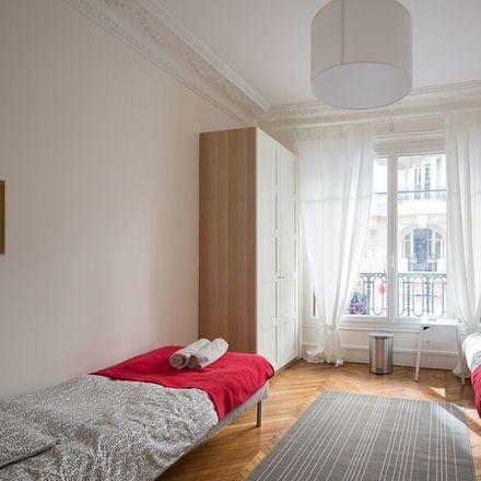 Room in 6 bed apt at 7 Avenue Frémiet, 75016 Paris, France