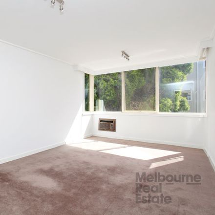 Rent this 2 bed apartment on 16/16 Kensington Road