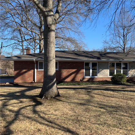 Rent this 3 bed house on Craighurst Terrace Ct in Saint Louis, MO