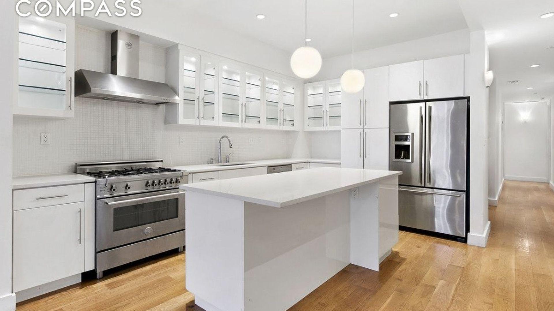2-bed loft at 51 Murray Street, New York, NY 10007, USA ...