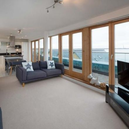 Rent this 3 bed apartment on Mornington Road in Cowes PO31 8AU, United Kingdom