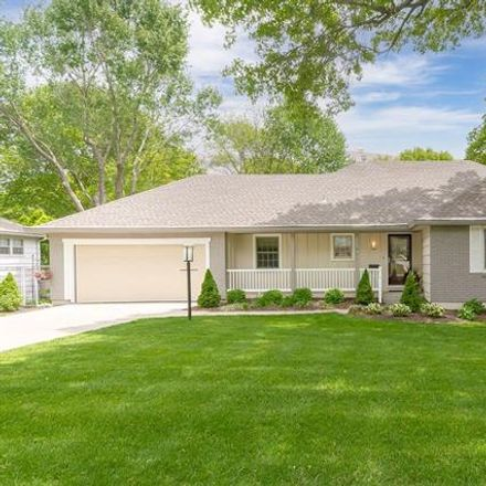 Rent this 4 bed apartment on 7929 Roe Avenue in Prairie Village, KS 66208