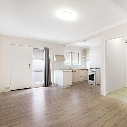 Rent this 1 bed apartment on 2/11 Mallon Street