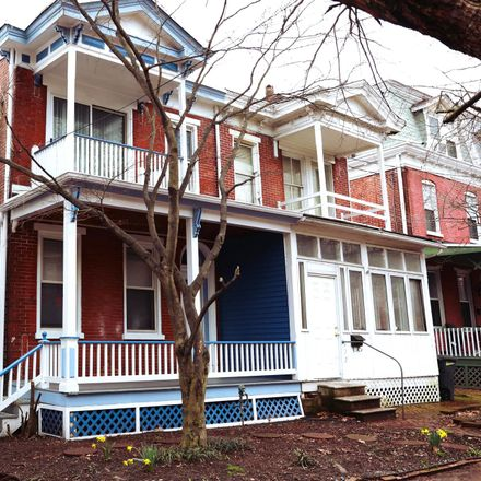 Rent this 3 bed townhouse on 820 West 10th Street in Wilmington, DE 19801