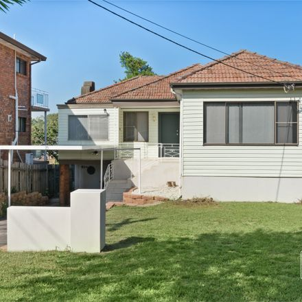 Rent this 3 bed house on 75 Little Road