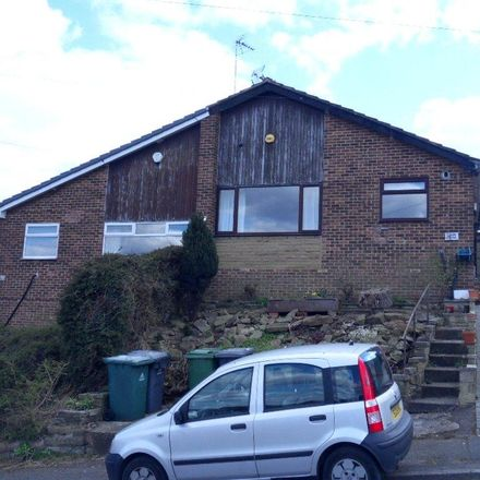 Rent this 2 bed house on Woodhall Drive in Batley WF17 7SW, United Kingdom