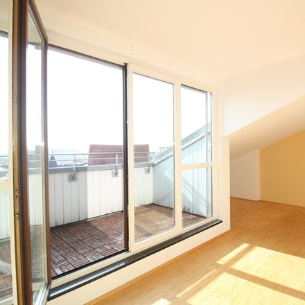 Rent this 3 bed apartment on Bauernclub in Kaulenberg 5, 06108 Halle (Saale)