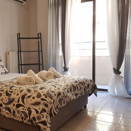 Rent this 6 bed room on Μάρνη 5 in Αθήνα 104 33, Ελλάδα