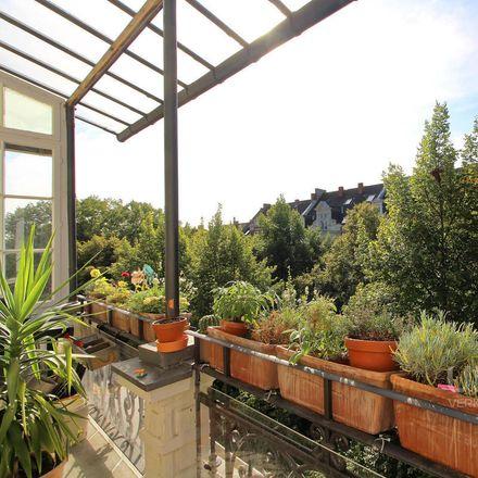 Rent this 4 bed apartment on Hochschul- und Landesbibliothek Wiesbaden in Rheinstraße 55-57, 65185 Wiesbaden