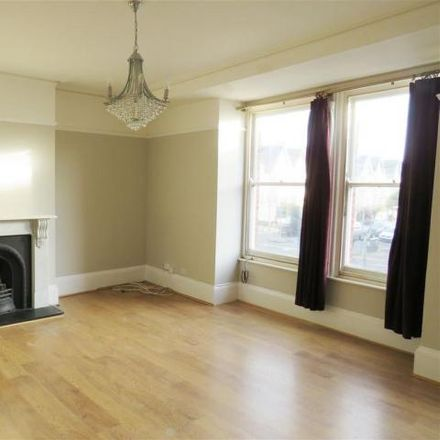 Rent this 3 bed apartment on Hills Electrical Appliances in Boundary Road, Hove BN41 1AG