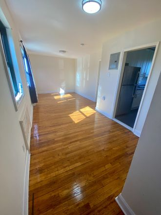 Rent this 3 bed apartment on 81 Beacon Hill Drive in Town of Greenburgh, NY 10522