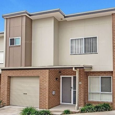 Rent this 3 bed townhouse on 13/39 River Road