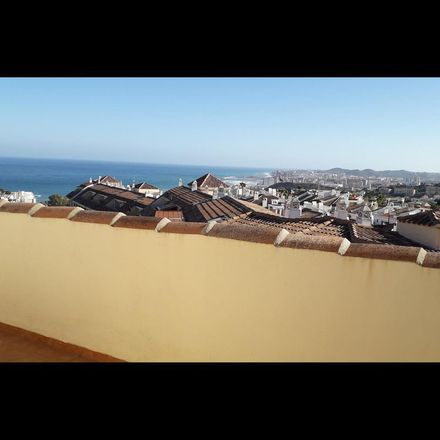 Rent this 2 bed apartment on Calle Castaños in 29640 Fuengirola, Spain