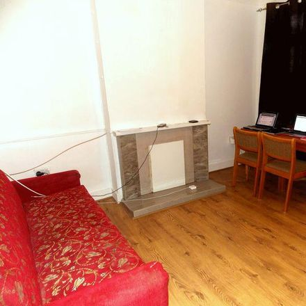 Rent this 4 bed house on Waterloo Road in London UB8 2QY, United Kingdom