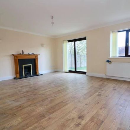 Rent this 5 bed house on Higham Park in Higham Park Road, East Northamptonshire NN10 0SL