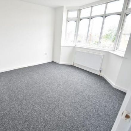 Rent this 3 bed house on Baker Street in Luton LU1 3QB, United Kingdom