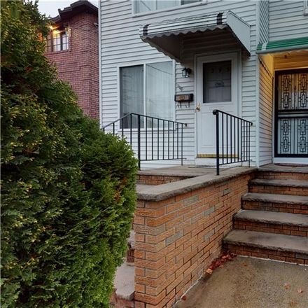 Rent this 3 bed house on 401 Garretson Avenue in New York, NY 10305