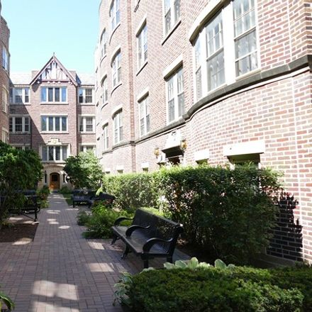 Rent this 1 bed condo on 1120 Washington Boulevard in Oak Park, IL 60302