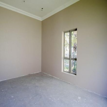 Rent this 4 bed house on McDonald's in Wellington Road, Cape Town Ward 112