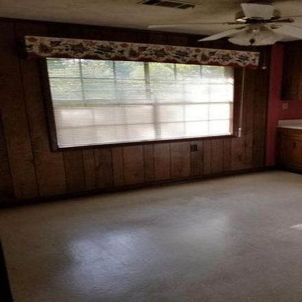 Rent this 3 bed house on 706 East Oxley Boulevard in Vidalia, GA 30474