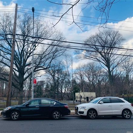 Rent this 1 bed condo on Highland Ave in Jamaica, NY