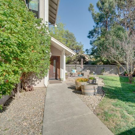 Rent this 3 bed house on 427 Myrtle Court in Benicia, CA 94510