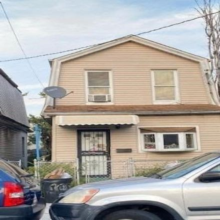 Rent this 3 bed house on 105-47 171st Place in New York, NY 11433
