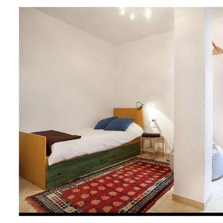 Rent this 3 bed room on Carrer de la Llanterna in 46001 Valencia, Spain